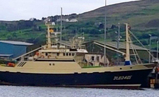 insua de area - castletownbere harbour master