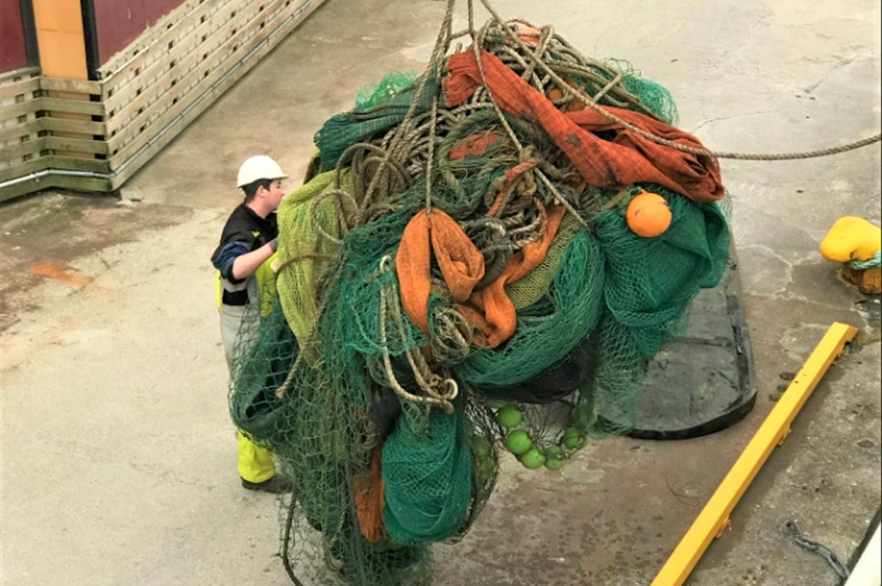 norwegian direcorate of fisheries say that fishermen are getting better are reporting lost fishing gear