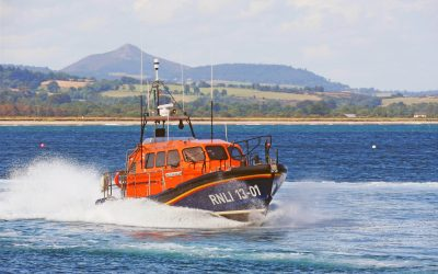 Wicklow RNLI tows three whelk fishermen in difficulty to safety