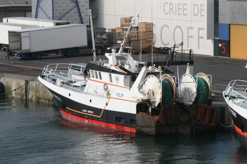 mmo detaining french fishing vessel de