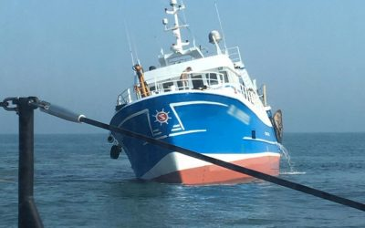 Lowesoft RNLI Lifeboat called to grounded French Trawler off Corton