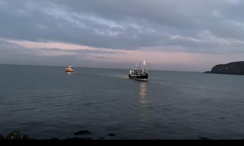 howth rnli trawler aground