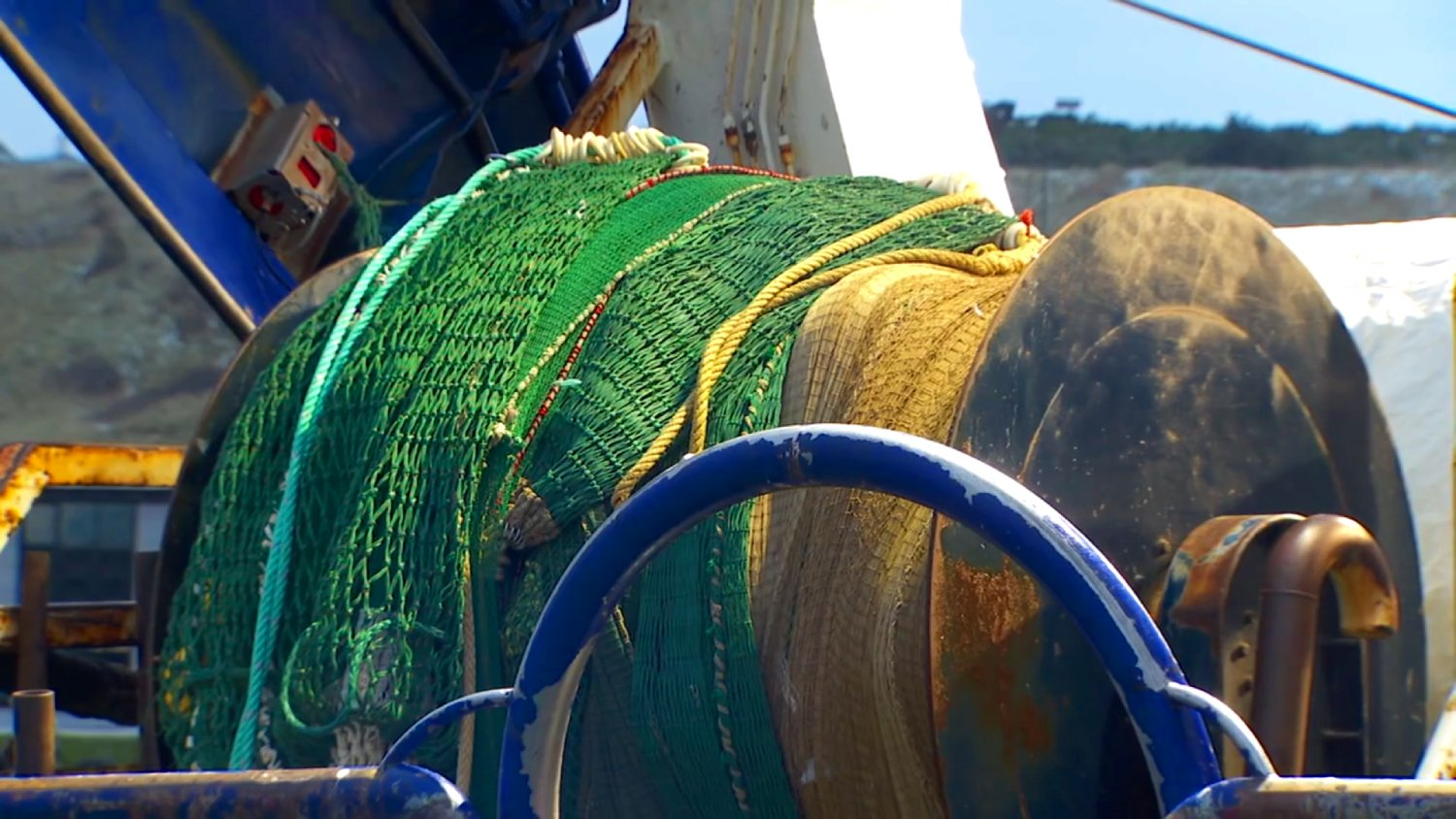 A study challenges the fishing industry's contention that trawling has a low carbon footprint