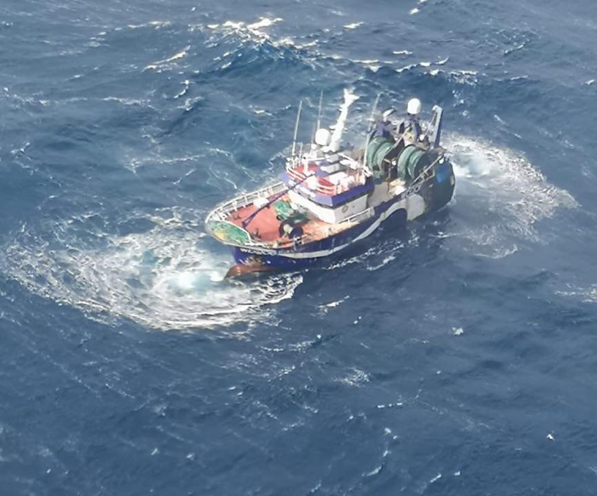 Rescue efforts are been coordinated for the stricken trawler drifting 75nm south-west of Castletownbere. Photo: Rescue 115 Ellie Adhamh