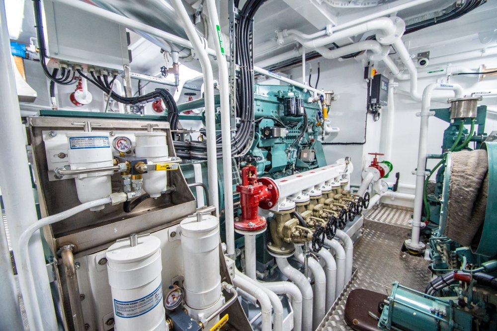 ella g.223 killbegs engineroom