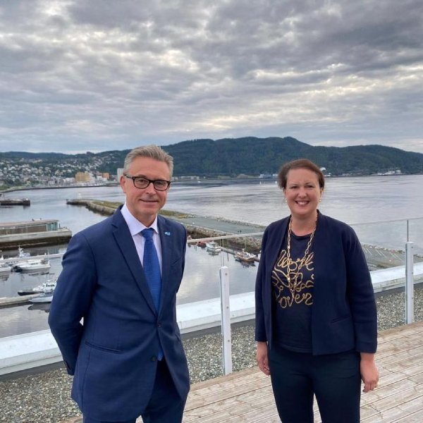 Minister of Fisheries and Seafood Odd Emil Ingebrigtsen met his British colleague Victoria Prentis for fisheries policy talks during Aquanor