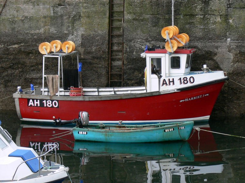 The MAIB has confirmed that it has under preliminary assessment a fatal man overboard incident from the Harriet J in St Abbs harbour. Photo: Sydney Sinclair - shipspotting.com